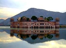 Jal_Mahal_(Water_Palace)_sm